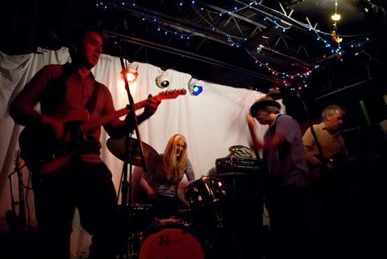 Nippertown – LIVE: Catbirds @ Valentine's Music Hall, 12/29/11