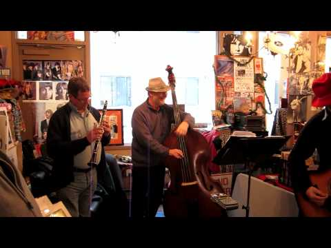 Nippertown! – LIVE: The Chandler Travis Three-O @ the River Street Beat Shop & the Ale House, 1/21/12